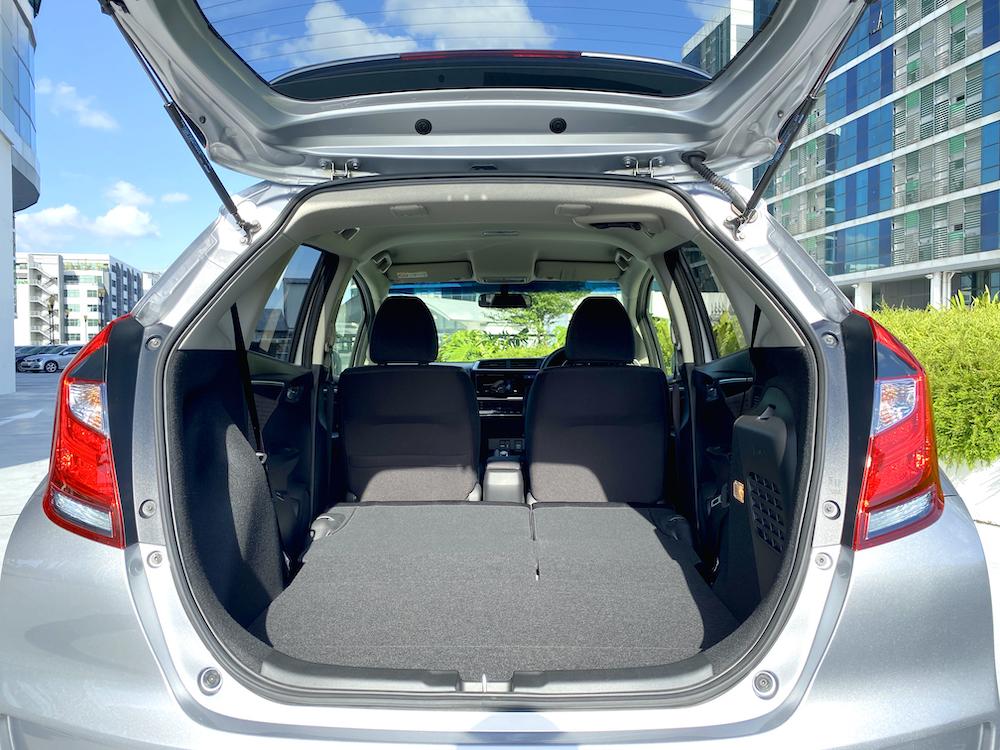 Honda Fit 1.5F Hybrid (Smart Key & LED)_Edited_IMG_3347