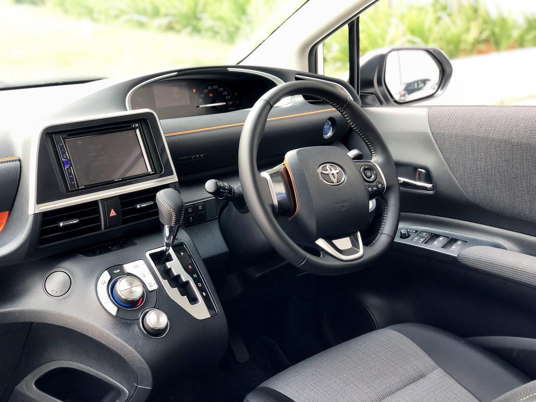 Toyota Sienta_IMG_4891